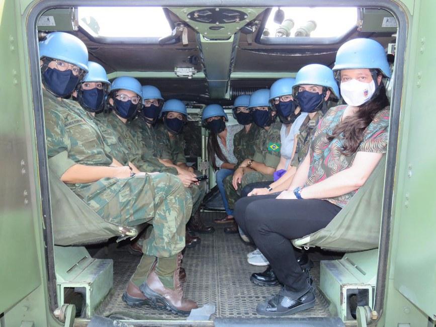 Centro de Operações de Paz de Caráter Naval conclui estágio para mulheres