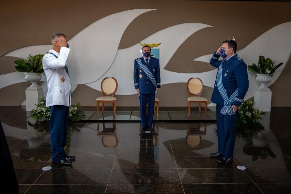 Cerimônia em Brasília marca transmissão de cargo de Comandante de Preparo