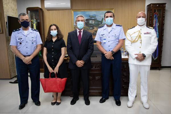 Comandante da Aeronáutica recebe visita do Embaixador de Portugal