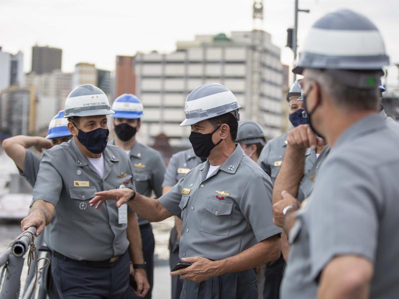 Comandante da Marinha visita a Engenharia Naval