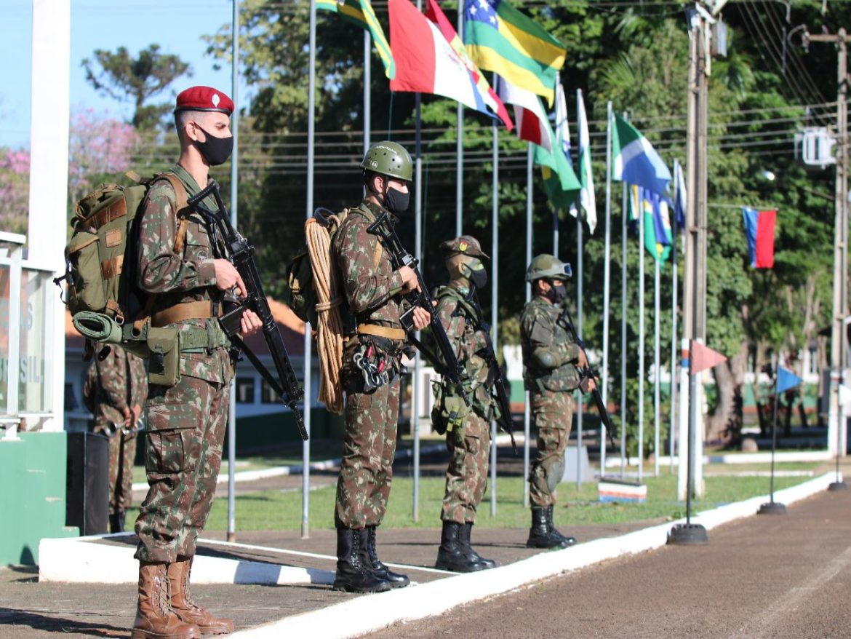 Batalhão de Infantaria comemora Dia da Infantaria na área da tríplice fronteira