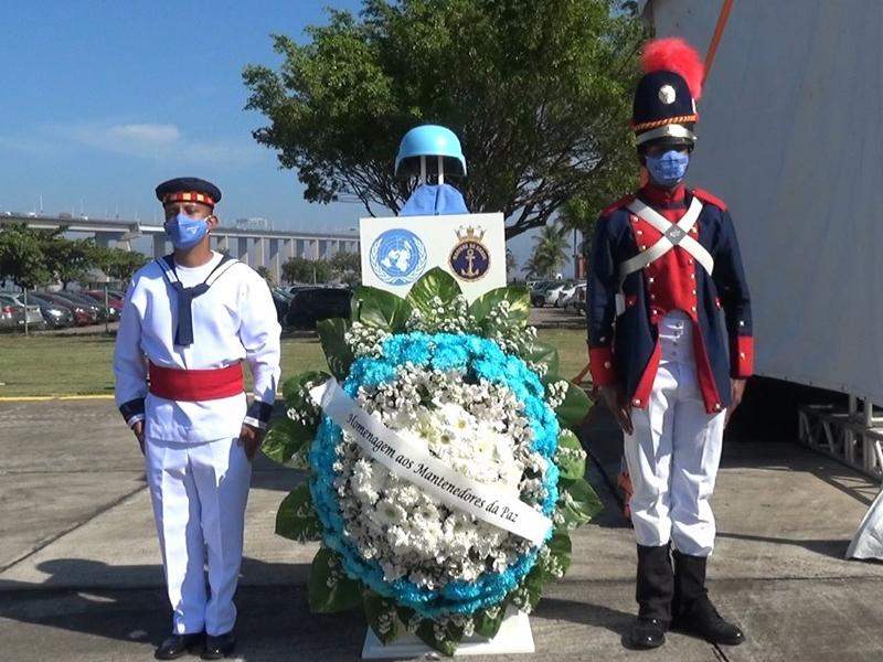 Mantenedores da Paz são homenageados pelo Comando de Operações Navais