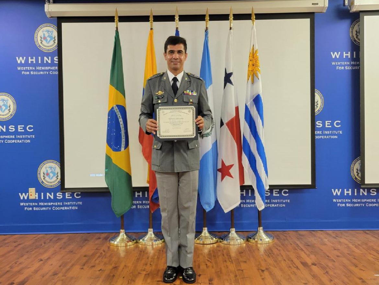 Militar brasileiro se destaca em curso internacional nos Estados Unidos