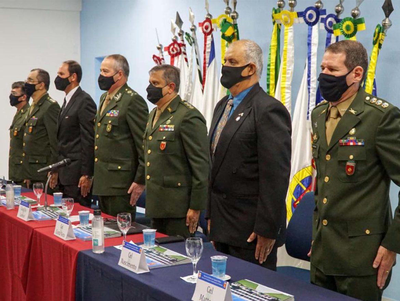 Militares recebem diploma do Curso de Gestão e Assessoramento de Estado-Maior