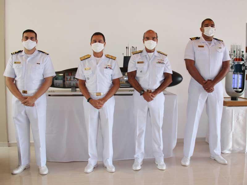 Oficiais da Marinha destacam-se em cursos de Engenharia do Instituto Tecnológico de Aeronáutica e recebem cumprimentos do Comandante da Marinha