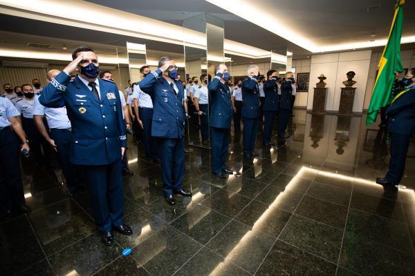 Oficiais-Generais da FAB são agraciados com Medalha Militar