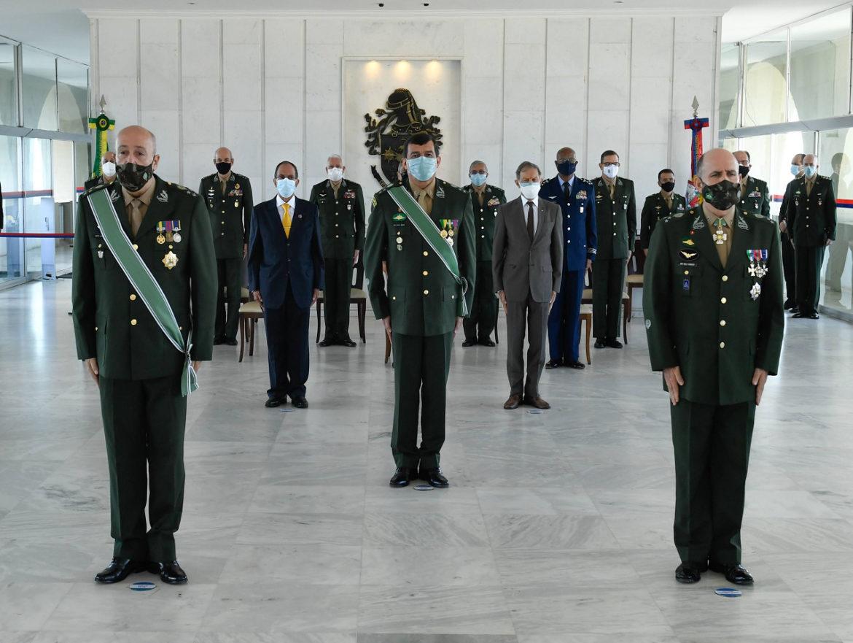 Comando Logístico realiza cerimônia de passagem de comando