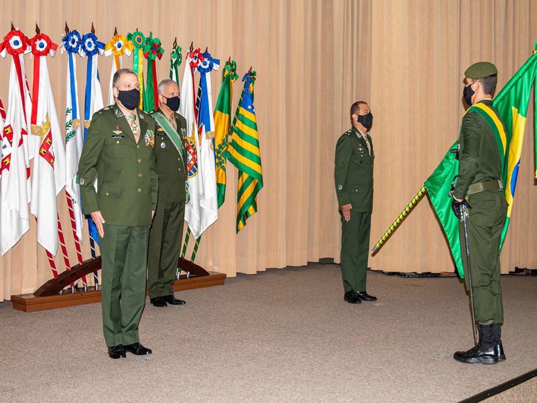 Cerimônia assinala troca da Direção de Educação Técnica Militar