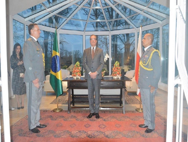Cerimônia marca passagem de função de Adido de Defesa e do Exército Brasileiro na Polônia