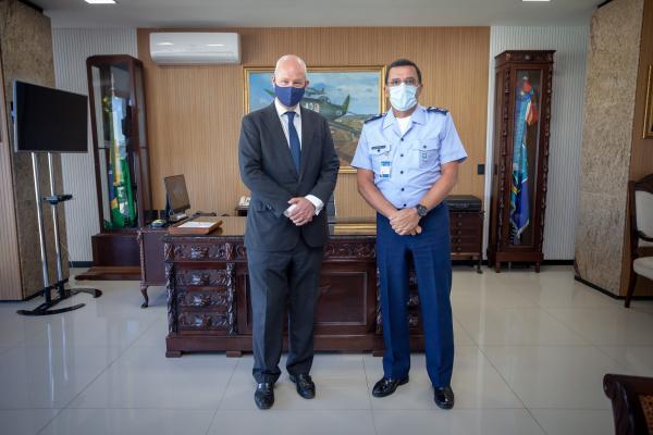 Embaixador do Reino Unido visita o Comando da Aeronáutica