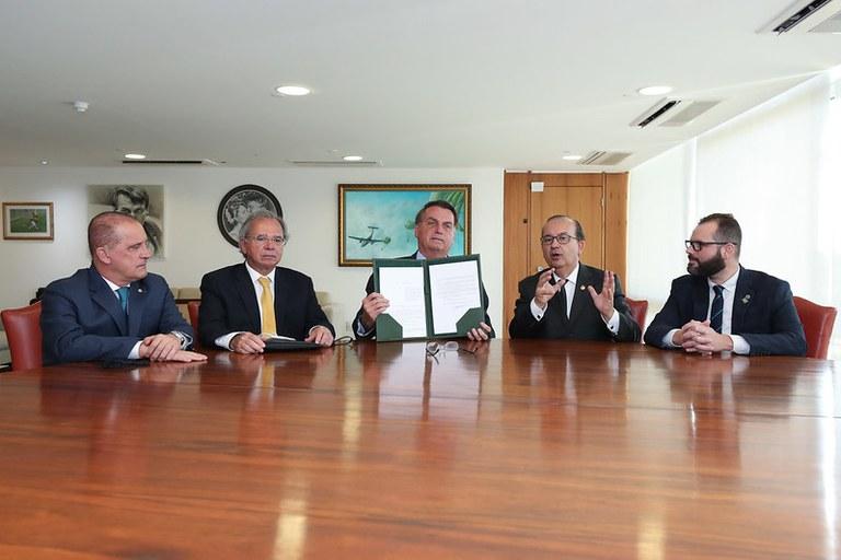 Pronampe vira política pública de crédito oficial