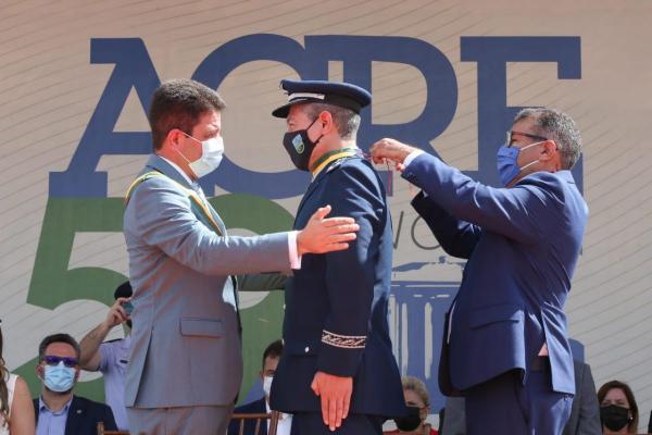 Rio Branco (AC) recebe réplica da aeronave F-39 Gripen
