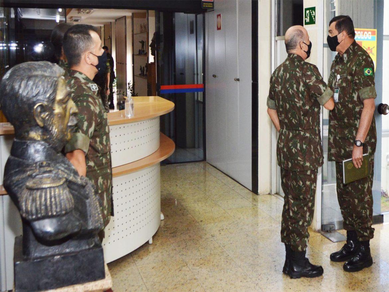 Visita do Comandante do Exército ao Comando Logístico