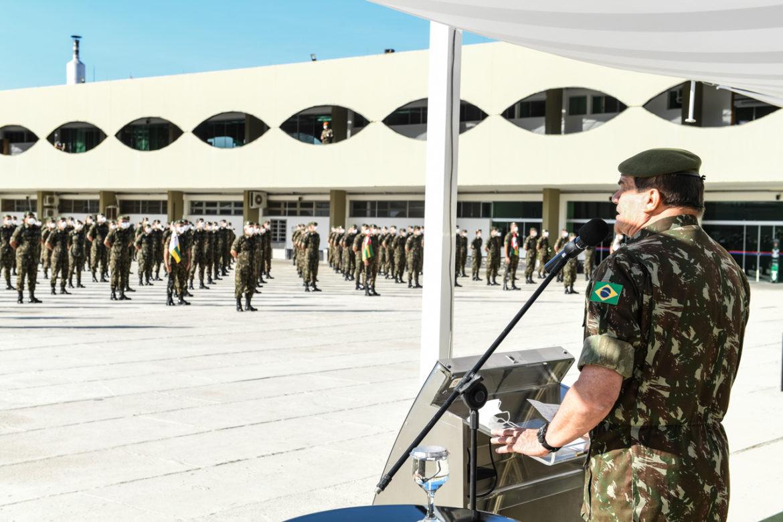 Comandante do Exército exalta trabalho da Força durante a pandemia