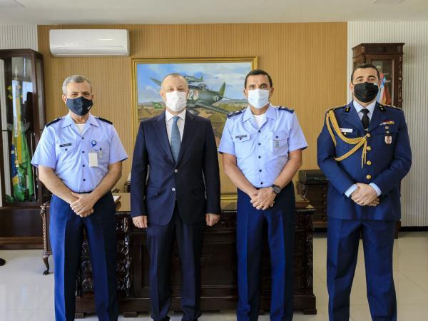 Comandante da Aeronáutica recebe Embaixador da Turquia