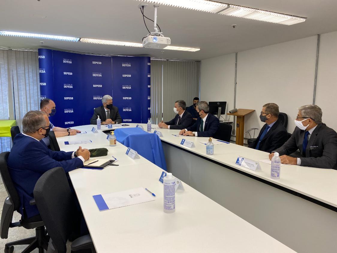 Secretários visam parceria entre os ministérios da Defesa e Justiça e Segurança Pública