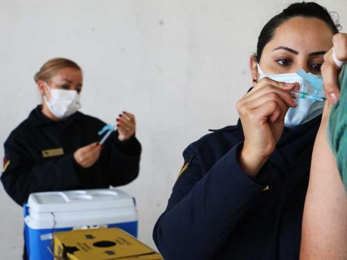 Comando do 5º Distrito Naval apoia vacinação na cidade do Rio Grande (RS)