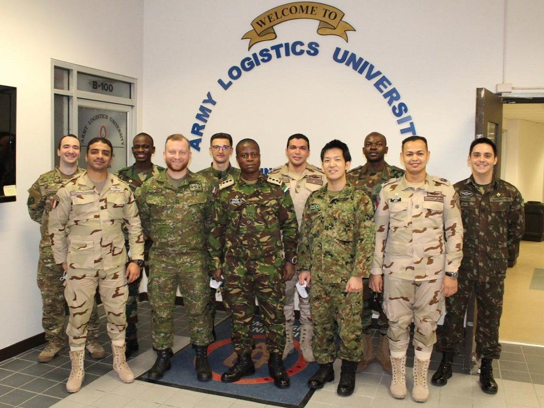 Militar do Exército Brasileiro se destaca em curso para capitães de Logística do Exército dos EUA