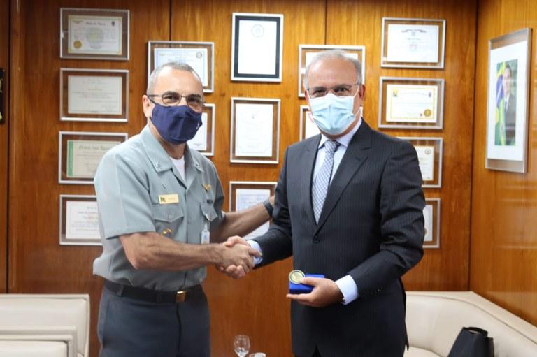 Escola Superior de Guerra recebe embaixador do Reino do Marrocos