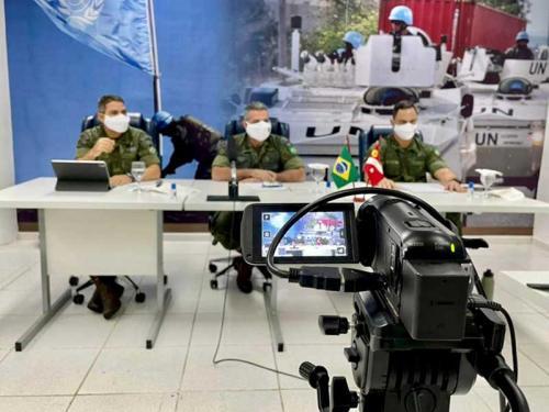Fuzileiros Navais apresentam suas capacidades ao Serviço de Treinamento Integrado das Nações Unidas