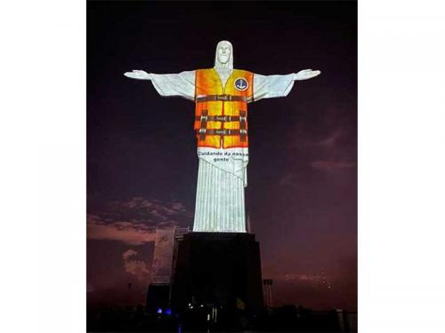 Marinha e Arquidiocese de São Sebastião do Rio de Janeiro realizam projeção no Cristo Redentor