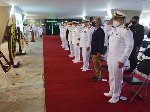 Marinha realiza cerimônia em Memória aos Mortos em Guerra, no Rio de Janeiro