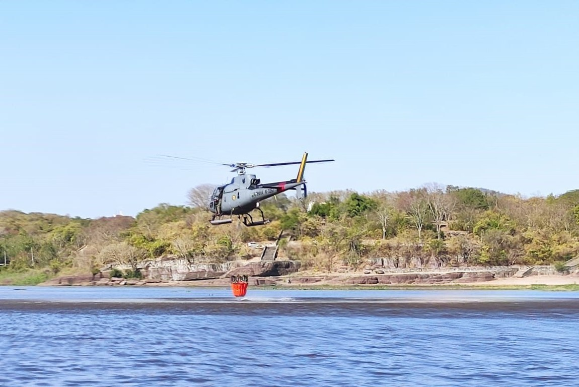 Militares apoiam combate a incêndio no Pantanal