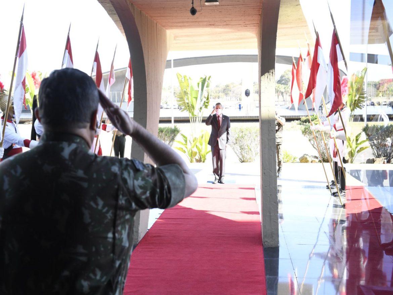 Ministro da Defesa aborda relacionamento civil-militar em palestra dirigida a generais da guarnição de Brasília