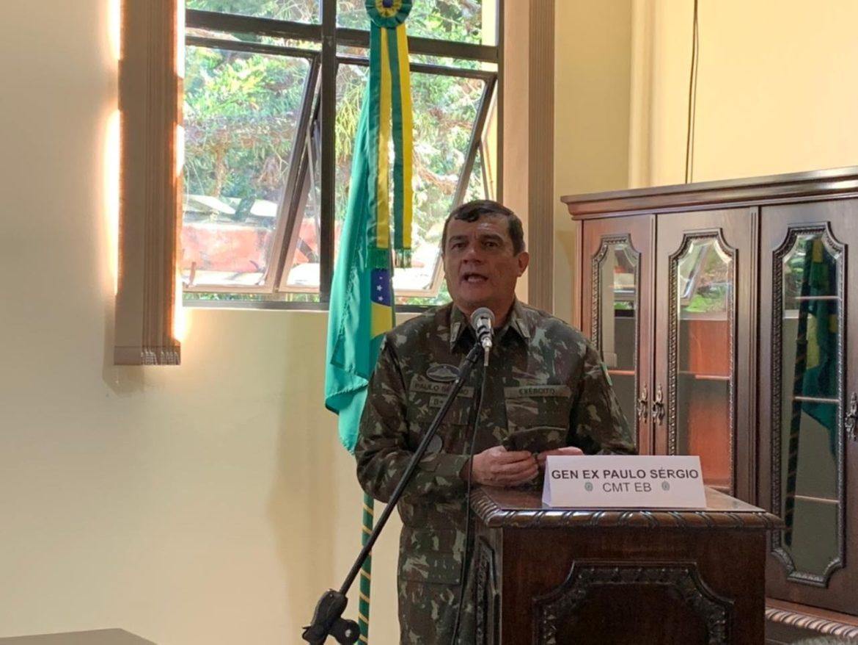 Comandante do Exército visita Hospital Militar de Área de Porto Alegre
