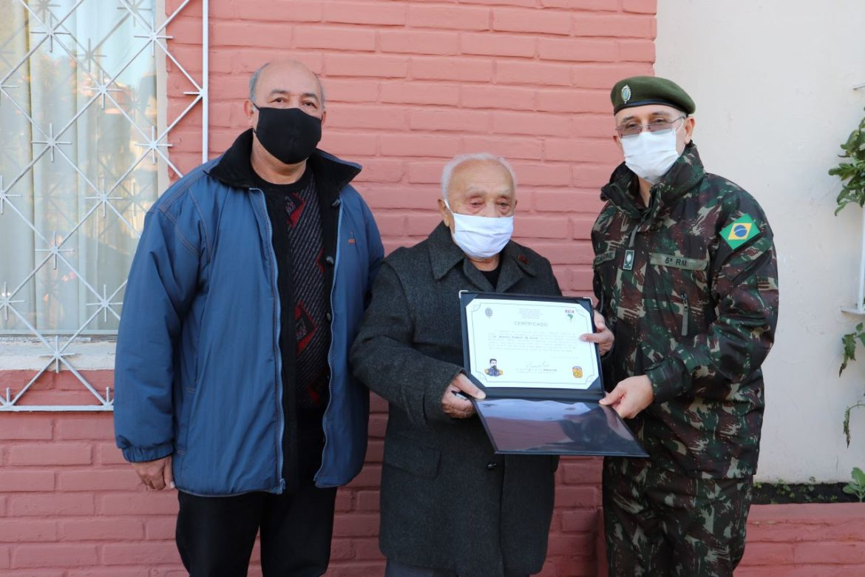 Exército homenageia ex-combatente da Força Expedicionária Brasileira