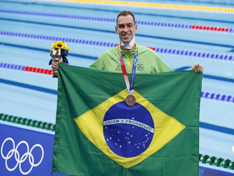Atleta de natação do Exército conquista medalha de bronze nos Jogos de Tóquio