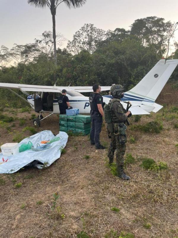 FAB intercepta aeronave com mais de 300 quilos de drogas
