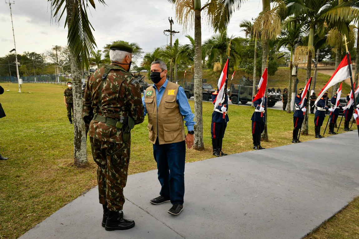 Ministro da Defesa acompanha a operacionalidade de tropas do Comando Militar do Leste