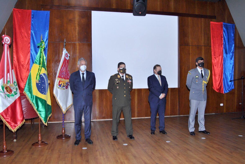 Solenidade no Peru marca os 373 anos do Exército Brasileiro