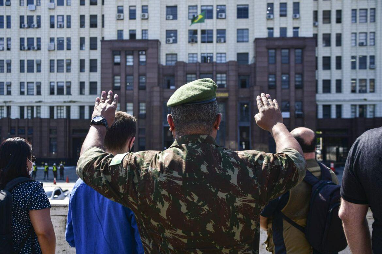 """Comando Militar do Leste realiza Programa """"Conheça o seu Exército"""" em parceria com o CCOMSEx"""