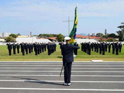 EAMSC realiza cerimônia de juramento à Bandeira de Marinheiros-Recrutas