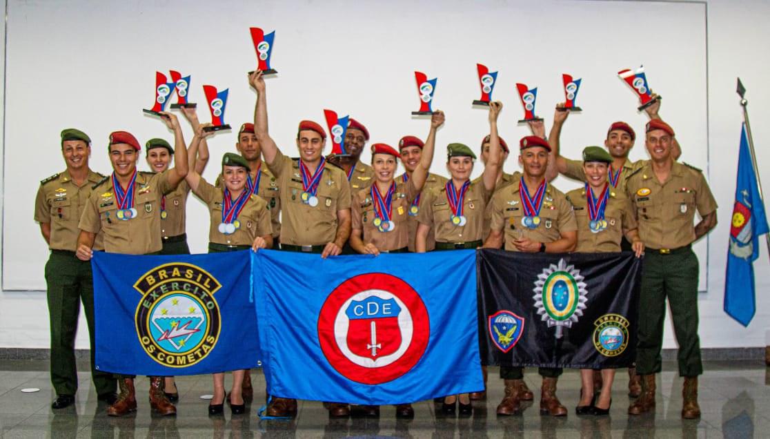 Equipe do Exército representará o Brasil no mundial militar de paraquedismo