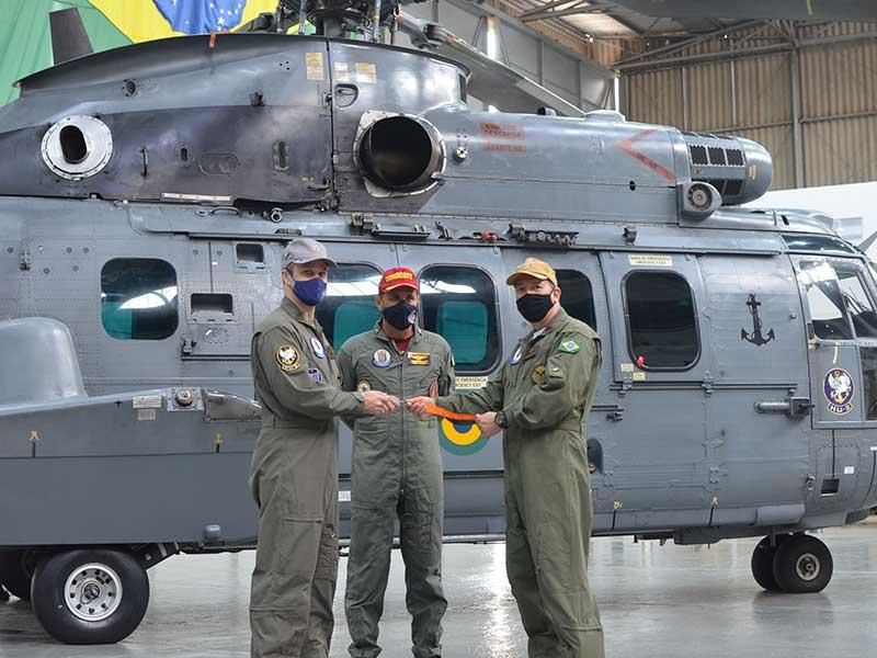 Grupo Aéreo Naval de Manutenção inspeciona aeronave UH-15