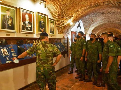 Guardas-Marinha realizam atividades com militares portugueses, em Lisboa