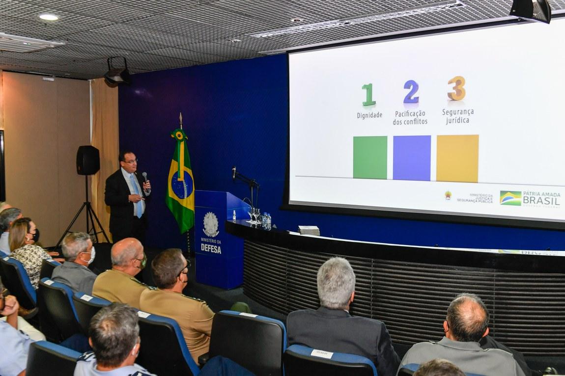 Palestra com presidente da FUNAI amplia debate sobre a questão indígena no Brasil