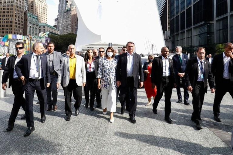 Presidente Jair Bolsonaro visita Memorial e Museu Nacional do 11 de Setembro