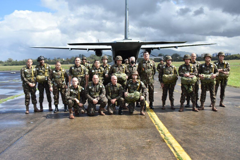 Batalhão DOMPSA recebe visita do Comandante do Exército