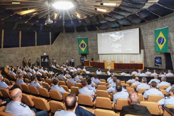 FAB promove 1ª Conferência de Armamento Aéreo