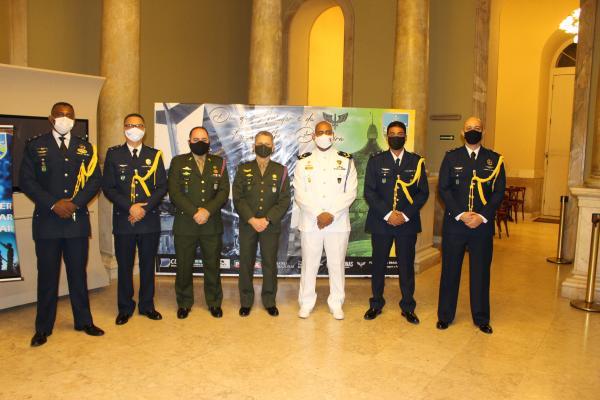 VII COMAR homenageia autoridades Civis e Militares